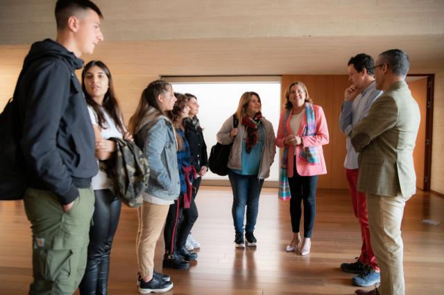 Alumnos del Liceo 'Orioli' italiano de Viterbo visitan la Consejería de Educación