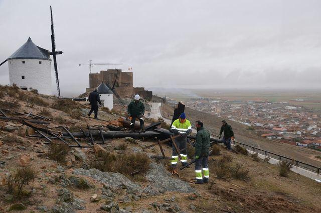 Consuegra ya trabaja a fondo para recuperar su emblemático Cerro Caldérico