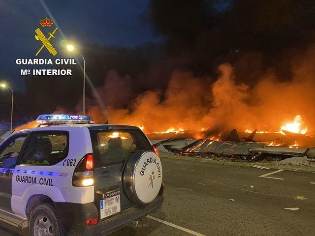 GALERÍA | Las espectaculares imágenes del incendio de Seseña