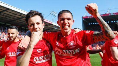 El FC Twente, del talaverano Javi Espinosa, vuelve a la Eredivisie holandesa