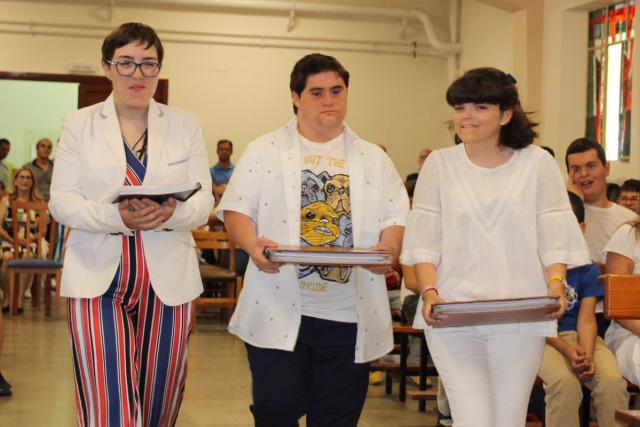 Carolina, Sergio y Eva, del 'Madre de la Esperanza' de Talavera, ya son graduados