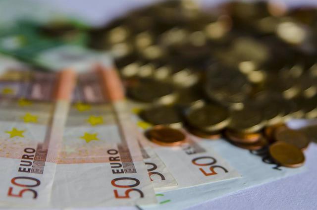 ECONOMÍA | El déficit de CLM se sitúa en 274 millones de euros hasta junio, el 0,72% de su PIB