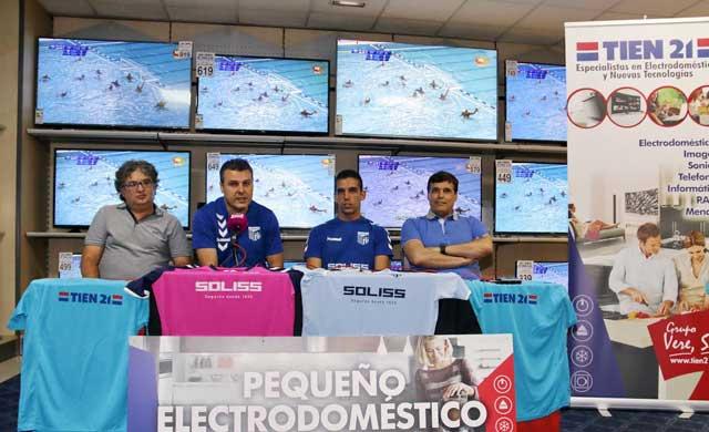 El Soliss FS renueva a Raúl Aceña y asciende a Álvaro Fernández