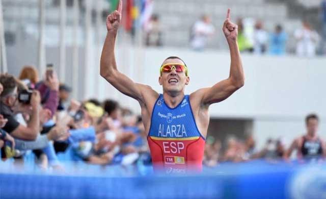 El talaverano Fernando Alarza, líder del Mundial de Triatlón