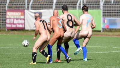 "REPORTAJE | ""Desnudamos"" al grupo del CF Talavera"