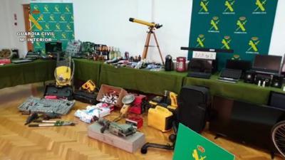 Algunos de los objetos recuperados.