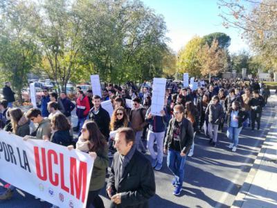 Unos 2.600 estudiantes se manifiestan en 4 campus de CLM pidiendo más diálogo y mejor financiación para la UCLM