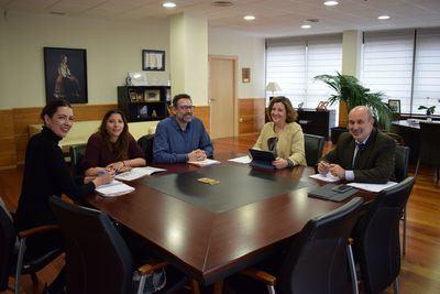 El Gobierno regional y Fundación Secretariado Gitano exploran acciones conjuntas para aumentar la empleabilidad de la población gitana