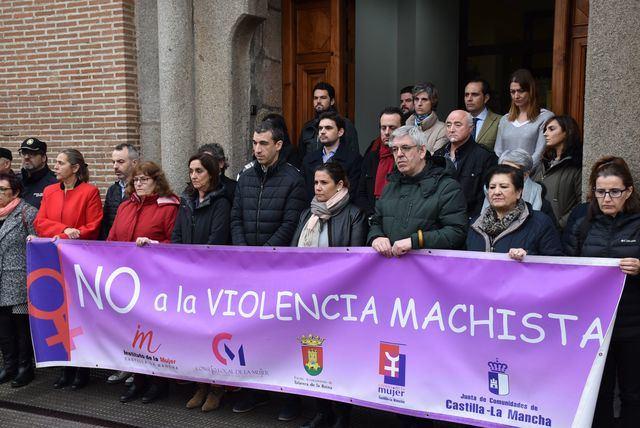 Minuto silencio en Talavera en memoria de las 7 víctimas de violencia de género