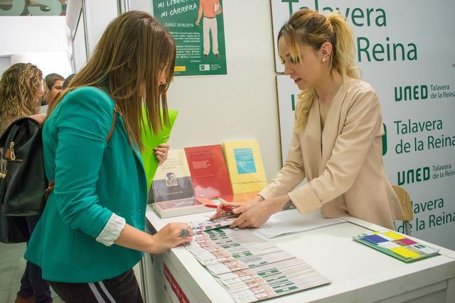 UNED Talavera participó en la Feria del Empleo y Emprendimiento de la ciudad