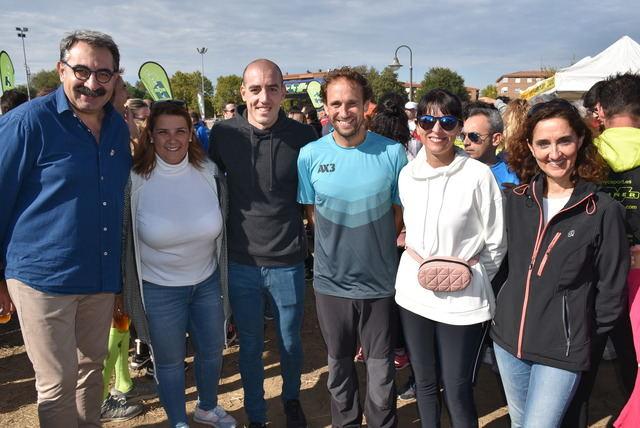Alrededor de 1.500 atletas participan en la XIII edición de la Carrera y Vuelta Solidaria 'Avanzando Juntos' de ASEM C-LM