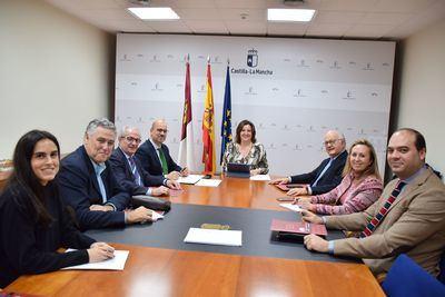 El Gobierno regional y la Asociación Empresa Familiar CLM exploran el acceso a las vías de financiación para respaldar su innovación