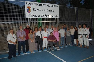 El polideportivo de Hinojosa ya lleva el nombre de Macario García