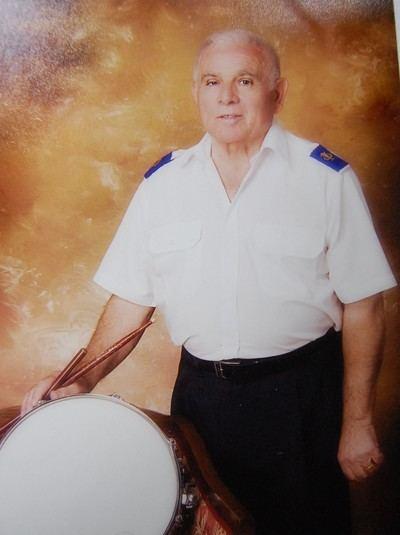 """Gregorio Palomo, 60 años """"dando guerra"""" con su batería"""