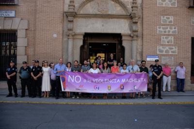 Minuto de silencio en Talavera por las 3 mujeres y un menor asesinados en agosto