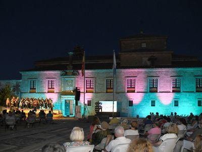Velada celebra 750 años de historia en un evento muy emotivo