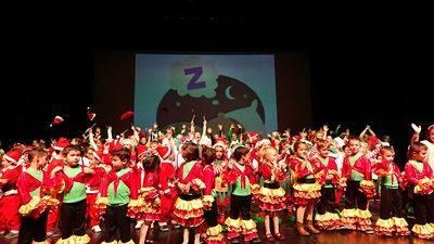 El CEIP San Ildefonso celebra su tradicional Festival de Navidad en el Teatro Palenque