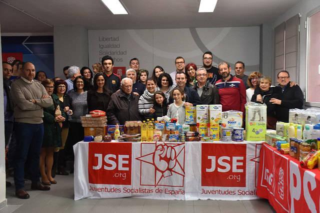 Recogida de más de media tonelada de alimentos para la Asociación Aurelio de León y Cruz Roja