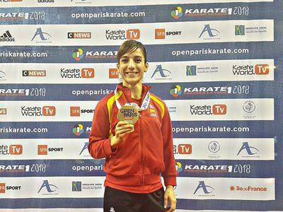 Sandra Sánchez con su 'medalla' de bronce