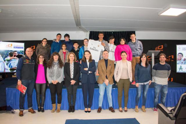 """Ébora Formación y Obra Social """"la Caixa"""" acercan el Campus Experience Fundación Real Madrid de Talavera a personas con discapacidad"""