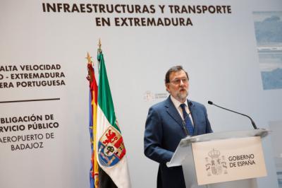 Rajoy apuesta por Extremadura: 1.500 millones para el tren y apoyo a la plataforma de Badajoz