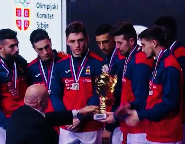 El talaverano Raúl Cuerva logra la plata por equipos en el Europeo de Kárate