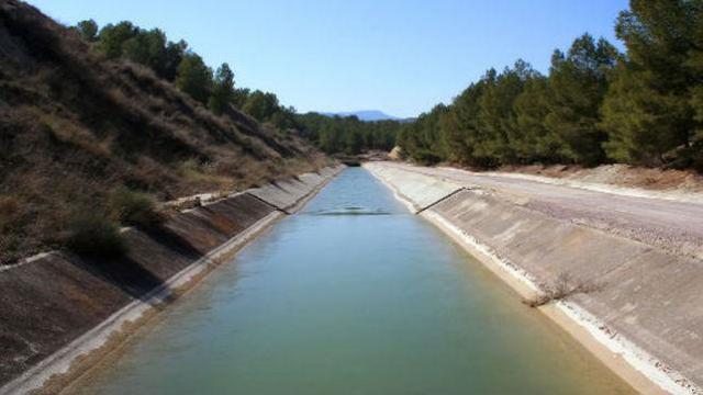 """El Gobierno regional tilda de """"insaciables"""" a Murcia y Levante por pretender ampliar el trasvase"""