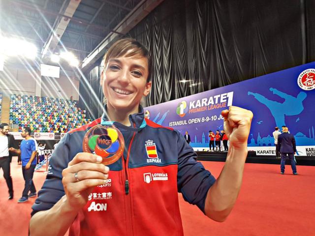 Sandra Sánchez con la medalla de bronce
