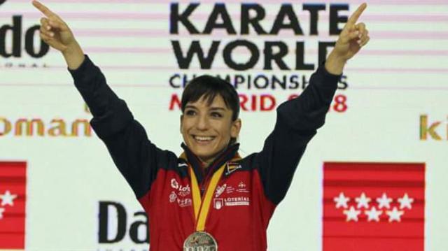 Sandra Sánchez con la medalla de oro como campeona del mundo