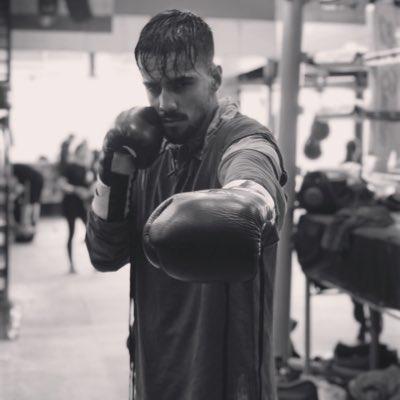 El boxeador talaverano Adam Trenado tendrá que esperar para su debut como profesional