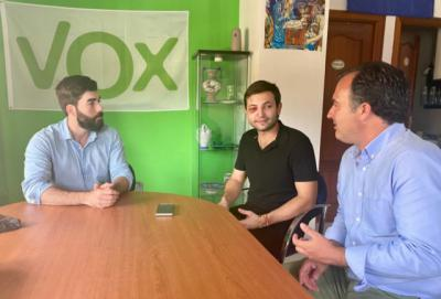Vox apoya al joven agredido en Velada: