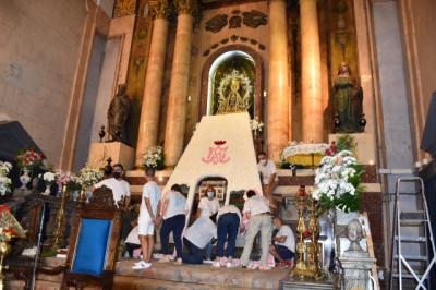 La Virgen del Prado vuelve a vestirse de flores