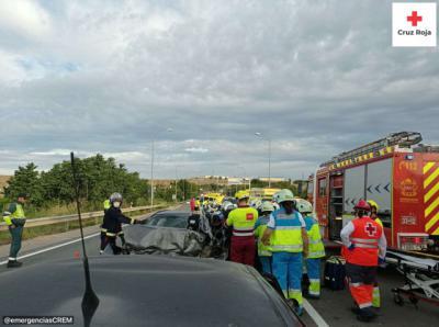 Dos heridos graves en una colisión frontal en Seseña