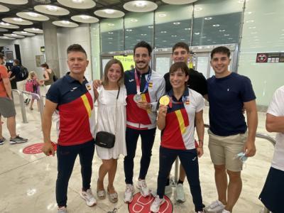 Emoción, vítores y aplausos, así ha sido la llegada de Sandra Sánchez con el oro