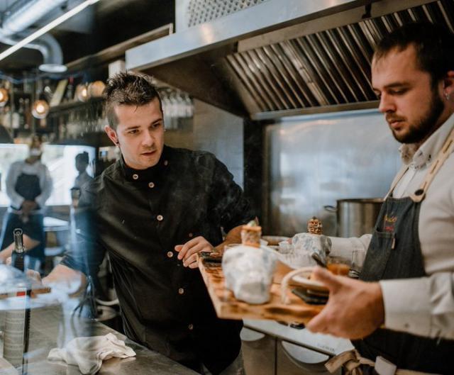 Carlos Maldonado quiere que los chefs de toda España usen cerámica talaverana