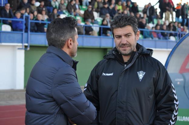 El técnico pacense Fernando Estévez