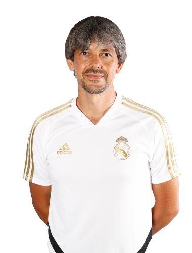 FÚTBOL | El nuevo Real Madrid femenino echa a andar con el talaverano David Aznar como entrenador