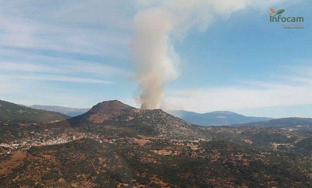 FUEGO | 10 medios y 42 personas en la extinción de un incendio en El Real de San Vicente