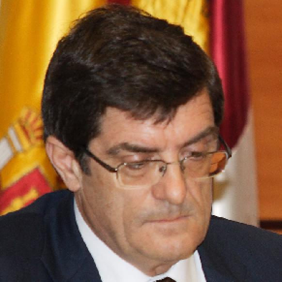La Justicia vuelve a denegar a un ex alto cargo de Cospedal la paga extra que pidió tras quitarla el PP