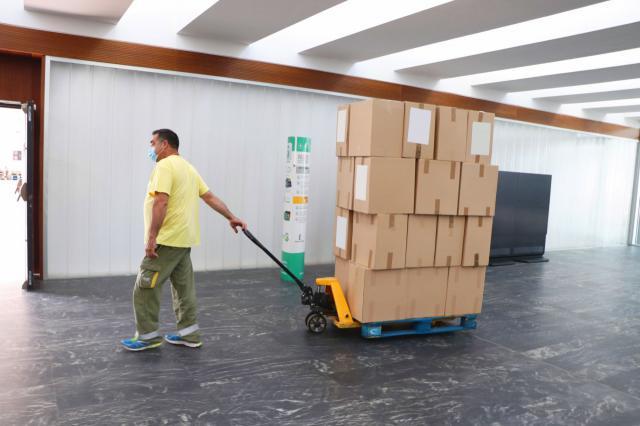 CLM | El Gobierno regional reparte esta semana medio millón de unidades de material sanitario