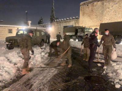 NIEVE | Los militares trabajan desde esta noche en Toledo
