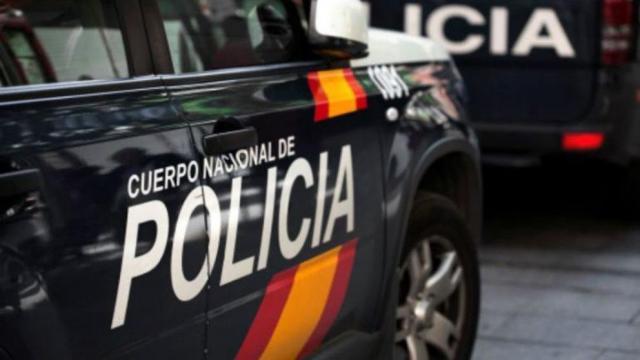 Detenido por pedir a dos personas que robaran y agredieran a una de sus clientas
