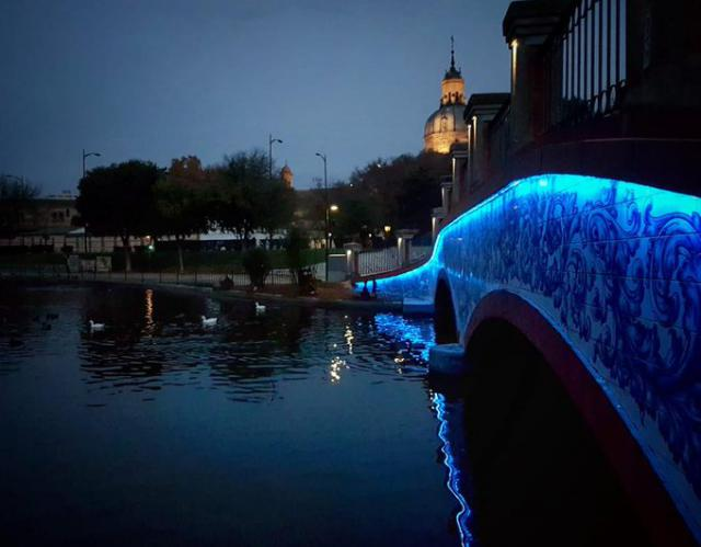 LA ALAMEDA | Talavera se ilumina de azul por el Día Mundial del Autismo