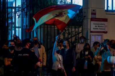 COVID-19   Concentraciones frente a la sede del PSOE