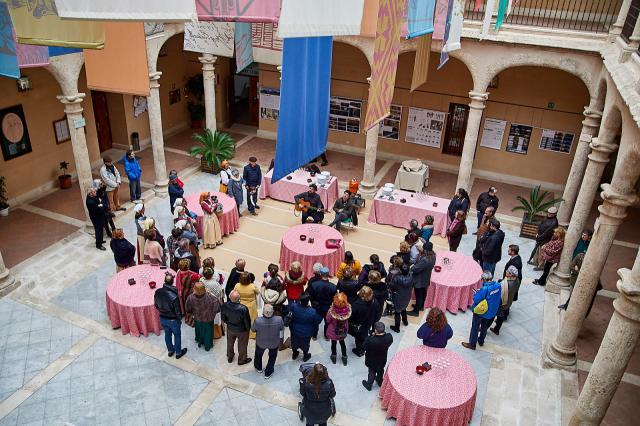 Visita teatralizada, tapas de cine, encuentro de mujeres cineastas y música acercaron feciso a la sociedad civil de Torrijos
