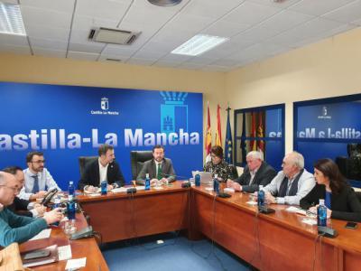 El consejero de Desarrollo Sostenible se reúne con ASAJA