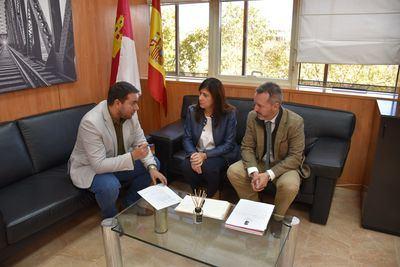 El director general de Transportes y Movilidad se reúne con los presidentes de las mancomunidades de La Sagra Alta y La Sagra Baja