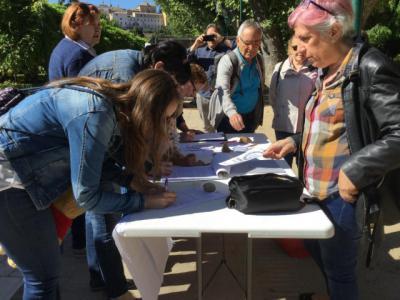 Recogen firmas para derogar la reforma de las pensiones llevada a cabo por el PP en 2013