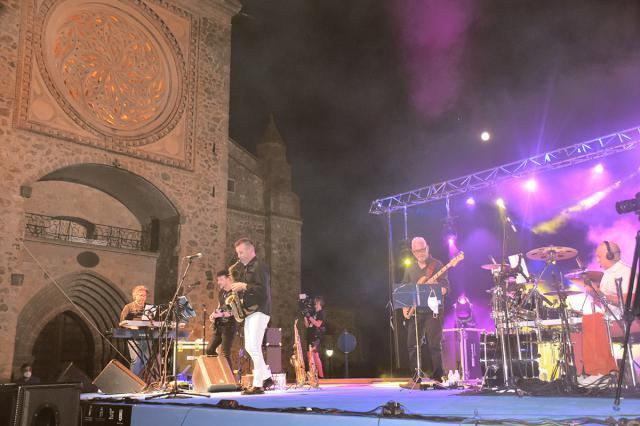 NUESTRA GENTE | Ismael Dorado Band