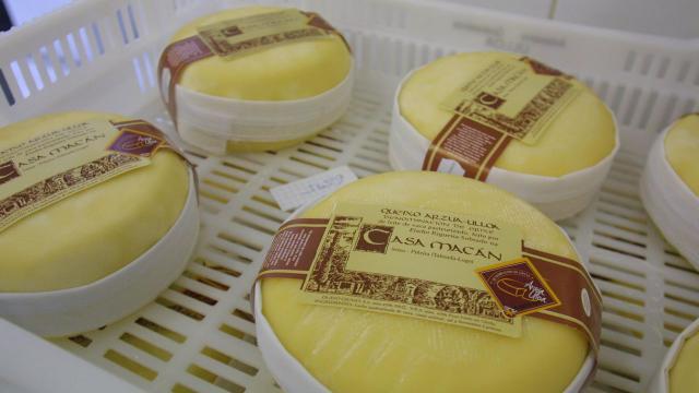 Ordenan retirar productos de la empresa Lácteos Casa Macán, que fueron distribuidos en CLM, por falta de seguridad